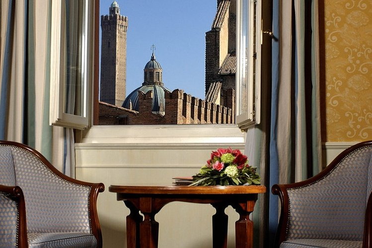 Esterno Art Hotel Orologio Bologna, Italia