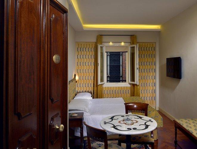 CAMERA SINGOLA Art Hotel Commercianti Bologna, Italia