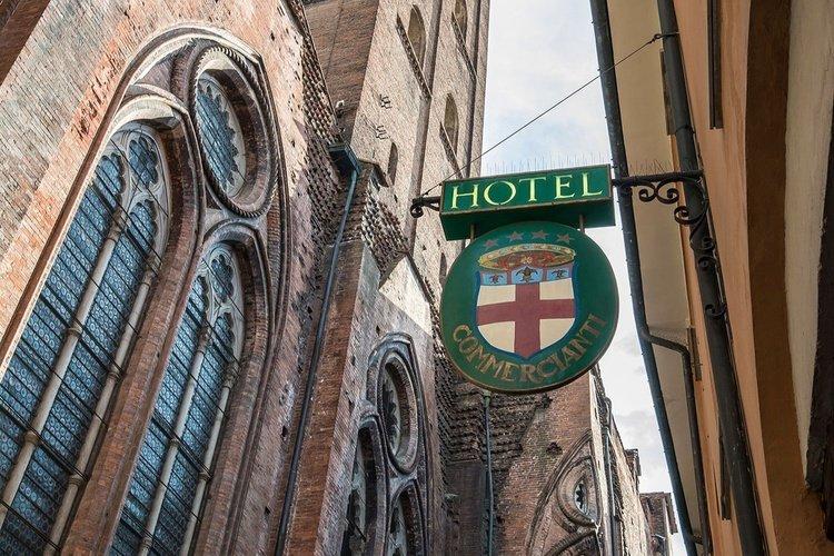 Facciata  art hotel commercianti bologna