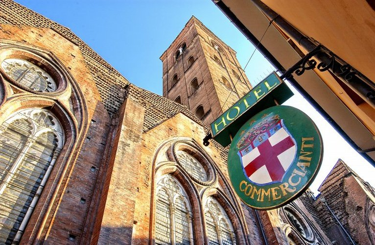 FACCIATA Art Hotel Commercianti Bologna, Italia