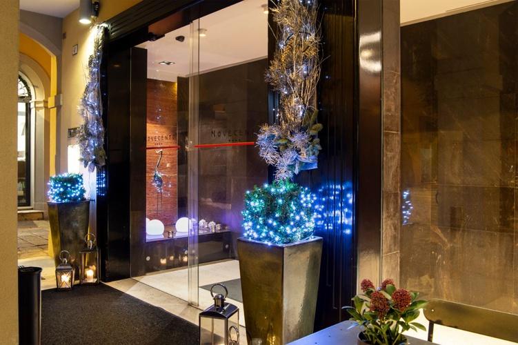 Ingresso  art hotel novecento bologna