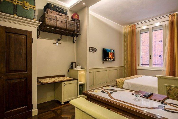 Stanza standard  art hotel commercianti bologna