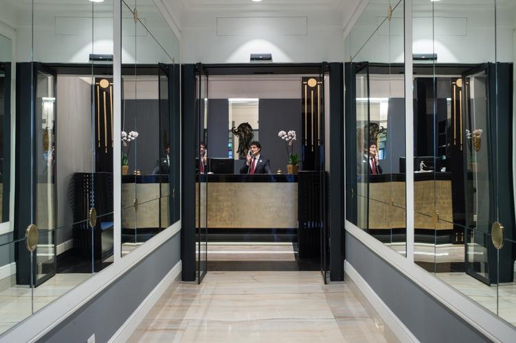 Ricezione  art hotel orologio bologna