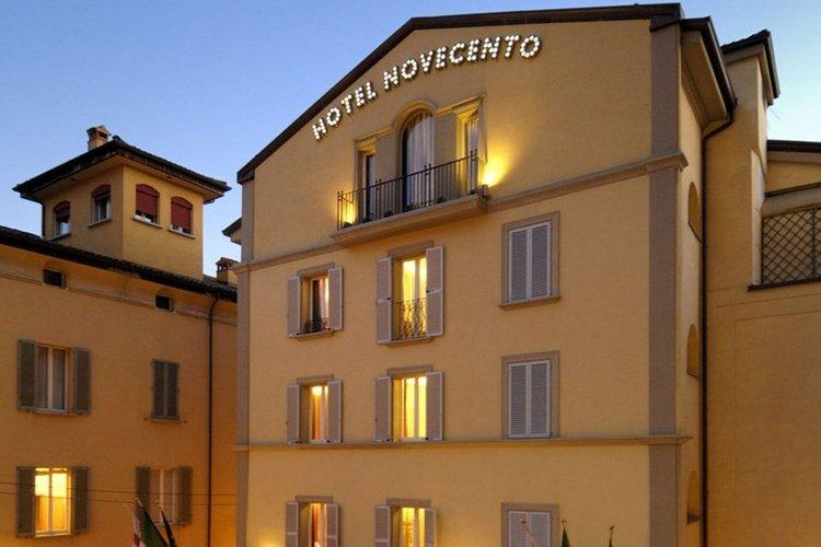 Facciata  art hotel novecento bologna