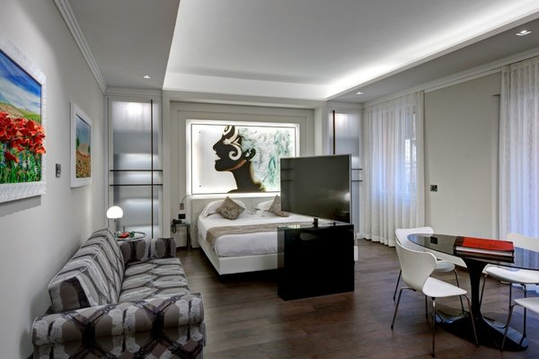 Luxury Apartments  Art Hotel Commercianti a Bologna