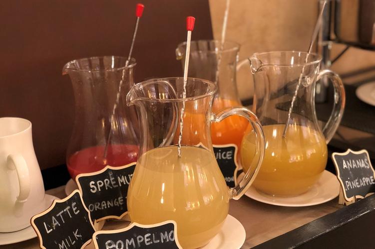 Colazione a buffet  art hotel novecento bologna