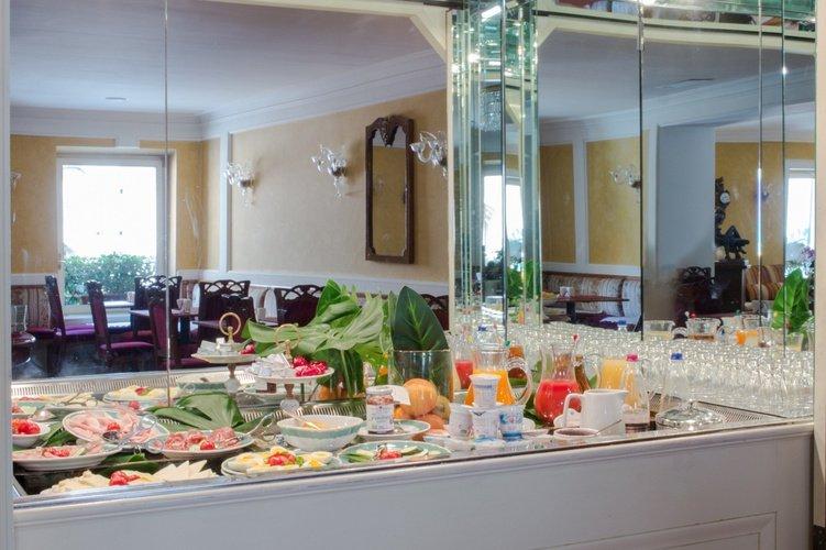 Buffet Colazione Art Hotel Orologio Bologna, Italia
