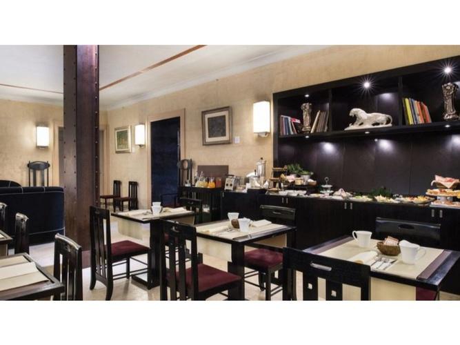 Colazione  art hotel novecento bologna